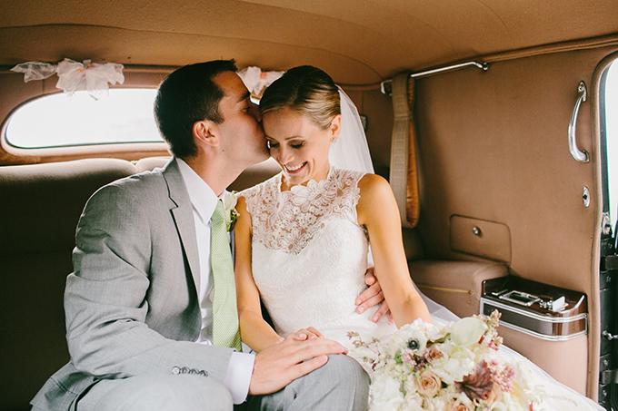 chic neutral Maine wedding | Emily Delamater Photography | Glamour & Grace