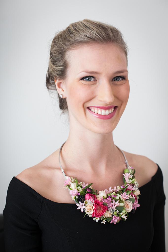 cute floral necklace | Jessamyn Harris | Glamour & Grace