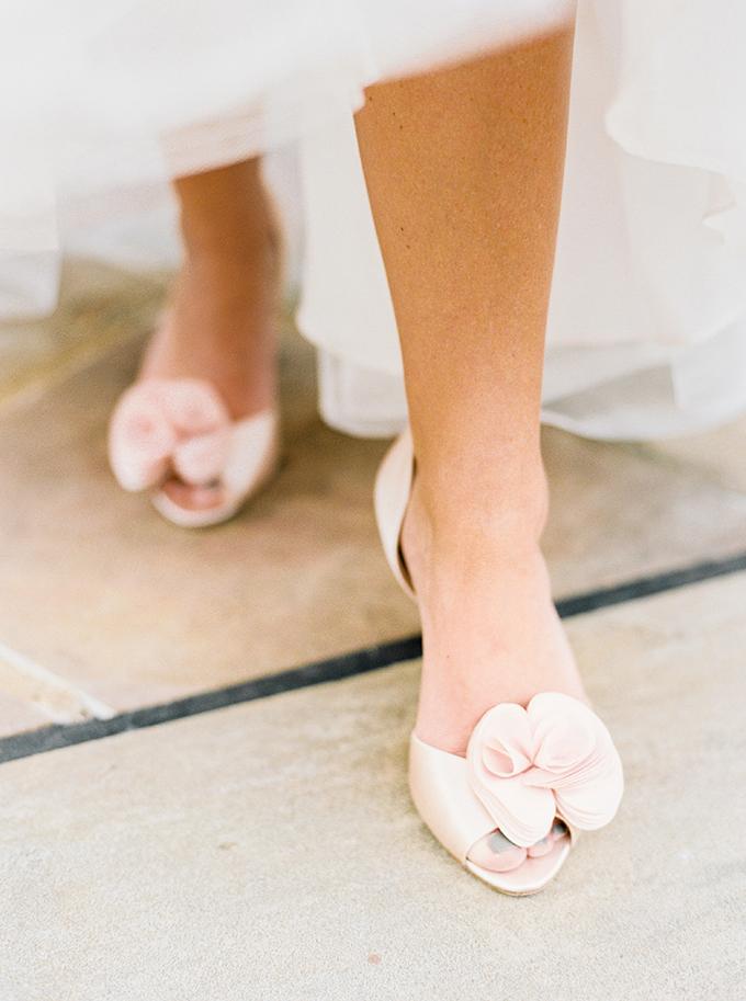 blush Badgley Mischka shoes | JoPhoto | Glamour & Grace