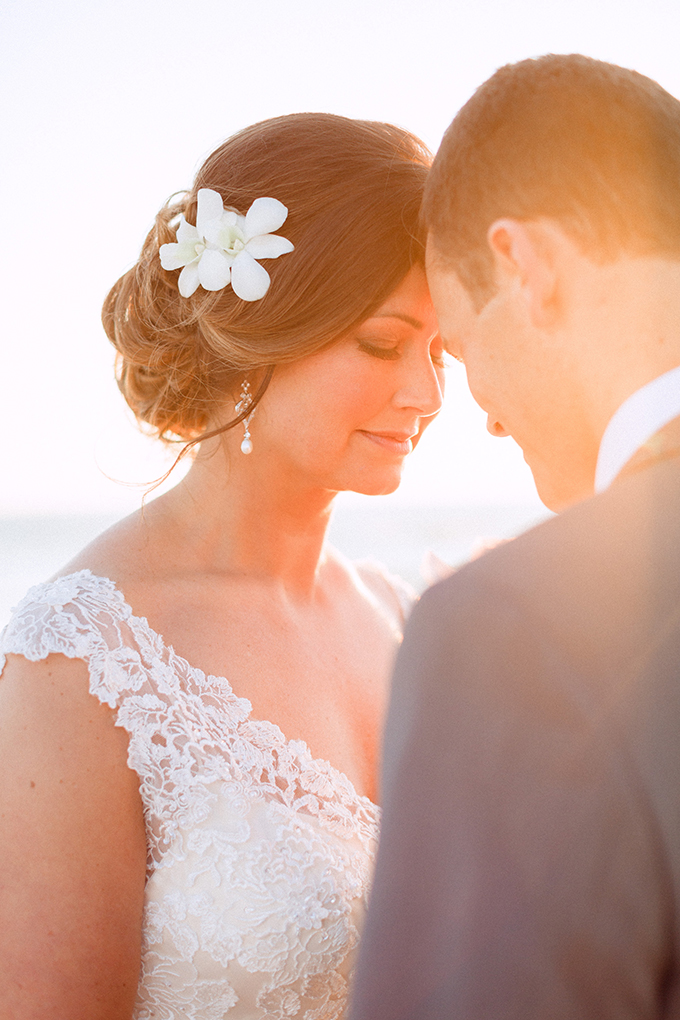 romantic beach destination wedding | Hunter Ryan Photo | Glamour & Grace