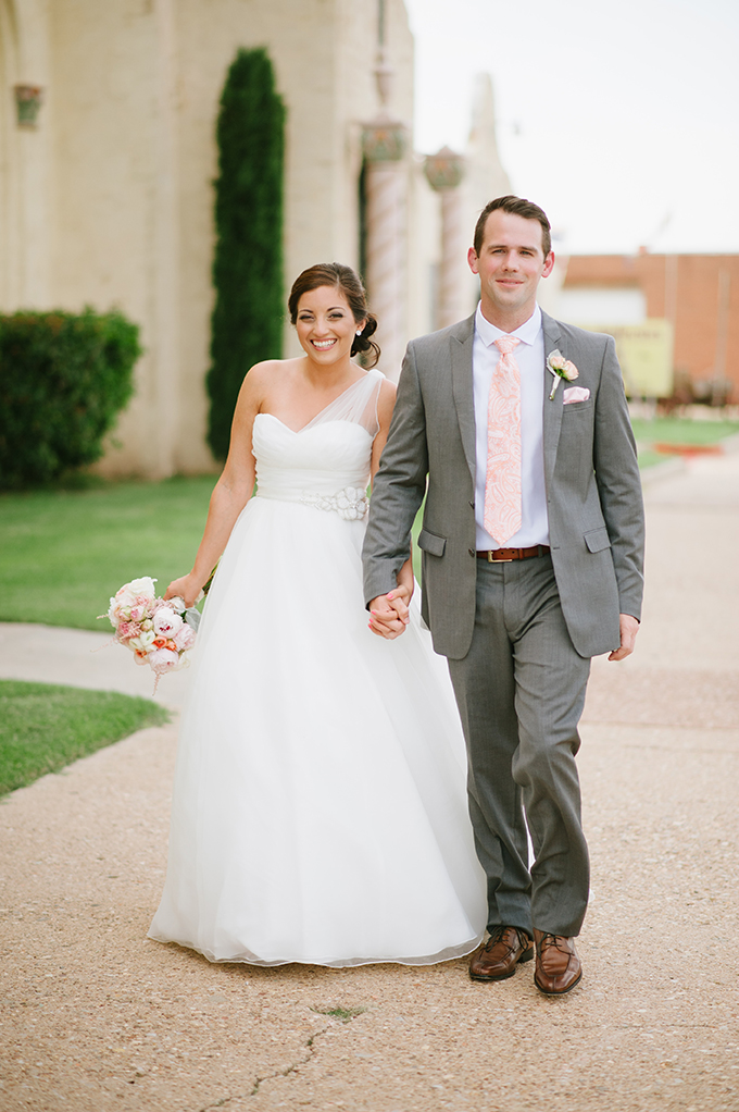 romantic blush wedding | Candi Coffman Photography | Glamour & Grace