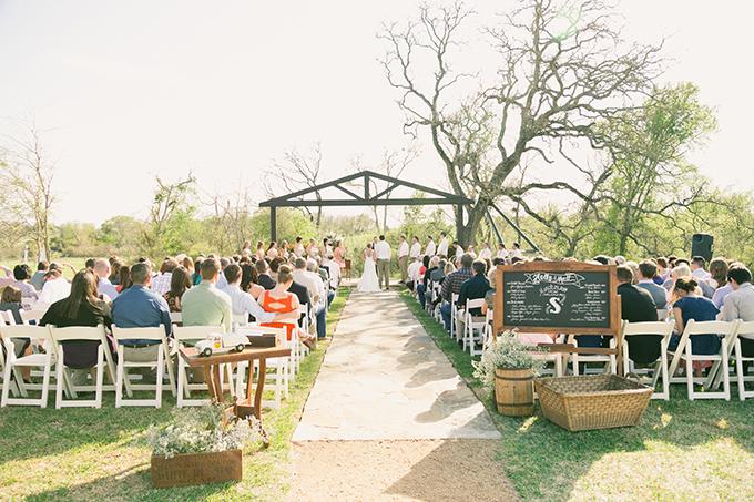 blush Texas wedding   Logan Howard Photography   Glamour & Grace