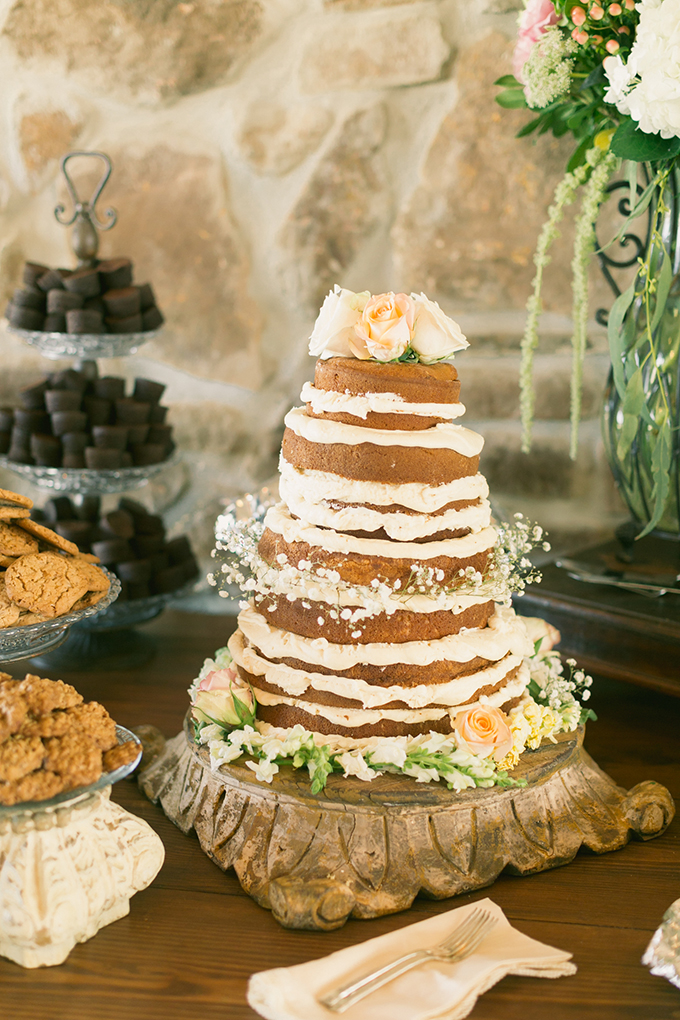 naked cake | Logan Howard Photography | Glamour & Grace