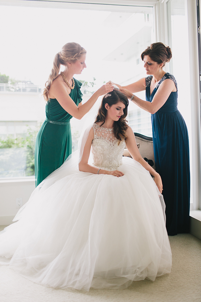 getting ready | Jamie Delaine Photography | Glamour & Grace