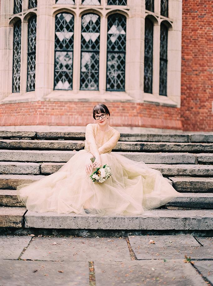 gold lace Marchesa gown | Nikki Santerre