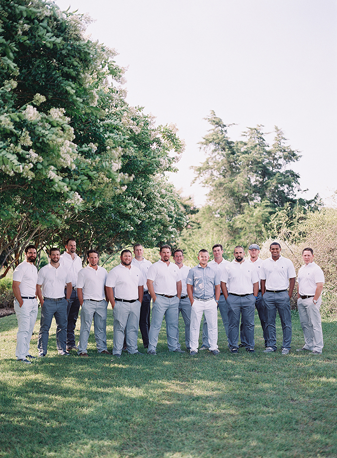 relaxed groomsmen | Tracy Enoch Photography | Glamour & Grace
