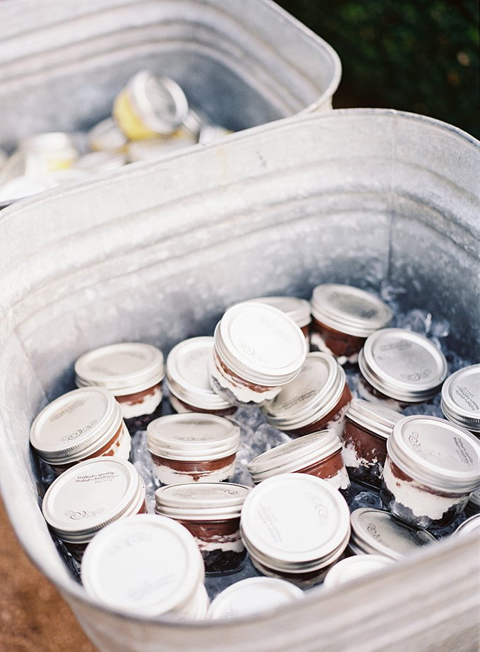 cake in jar favors | Tracy Enoch Photography | Glamour & Grace