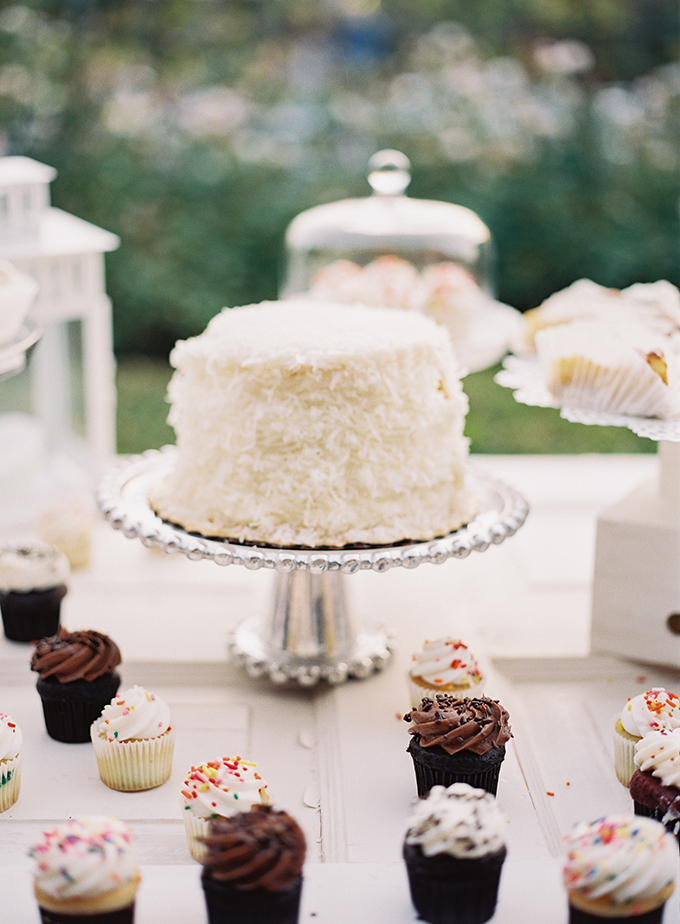 coconut cake | Tracy Enoch Photography | Glamour & Grace