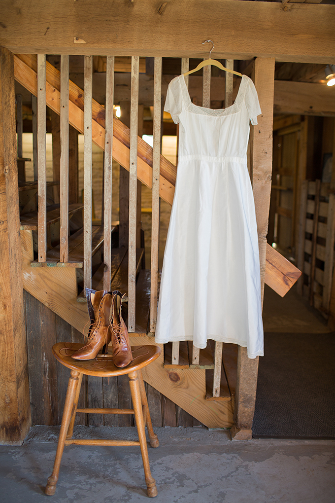 handcrafted barn wedding | Two Maries | Glamour & Grace