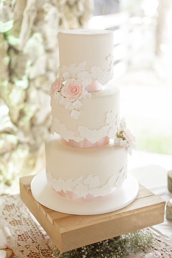 white and blush cake | Bumby Photography | see more on Glamour & Grace