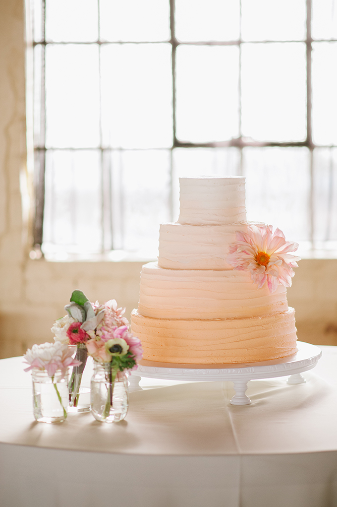 ombre peach cake | Candi Coffman Photography | Glamour & Grace