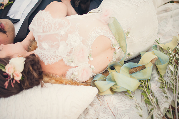 monopoly wedding inspiration | Sun & Sparrow Photography | Glamour & Grace