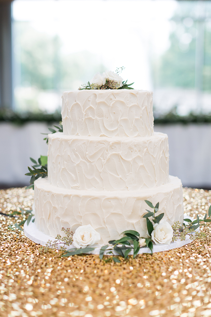 white and gold cake | Cory + Jackie | Glamour & Grace
