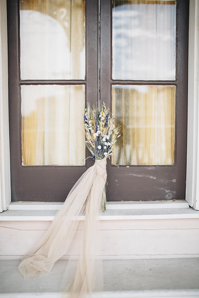 lavender and wheat bouquet | Saltwater Studios | Glamour & Grace