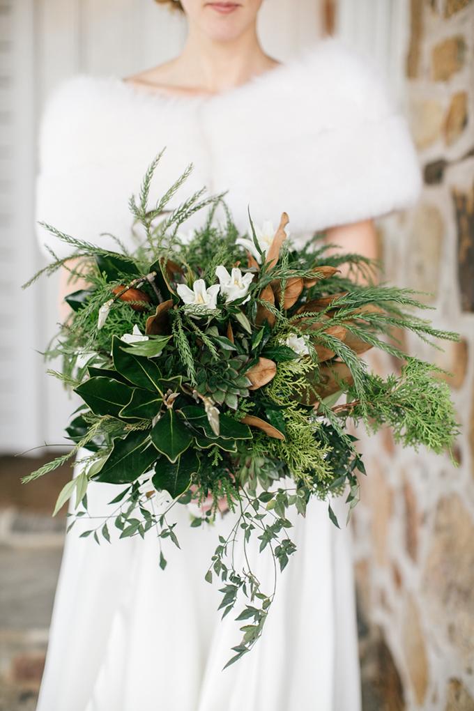 winter bouquet   Emily Wren Photography   Glamour & Grace