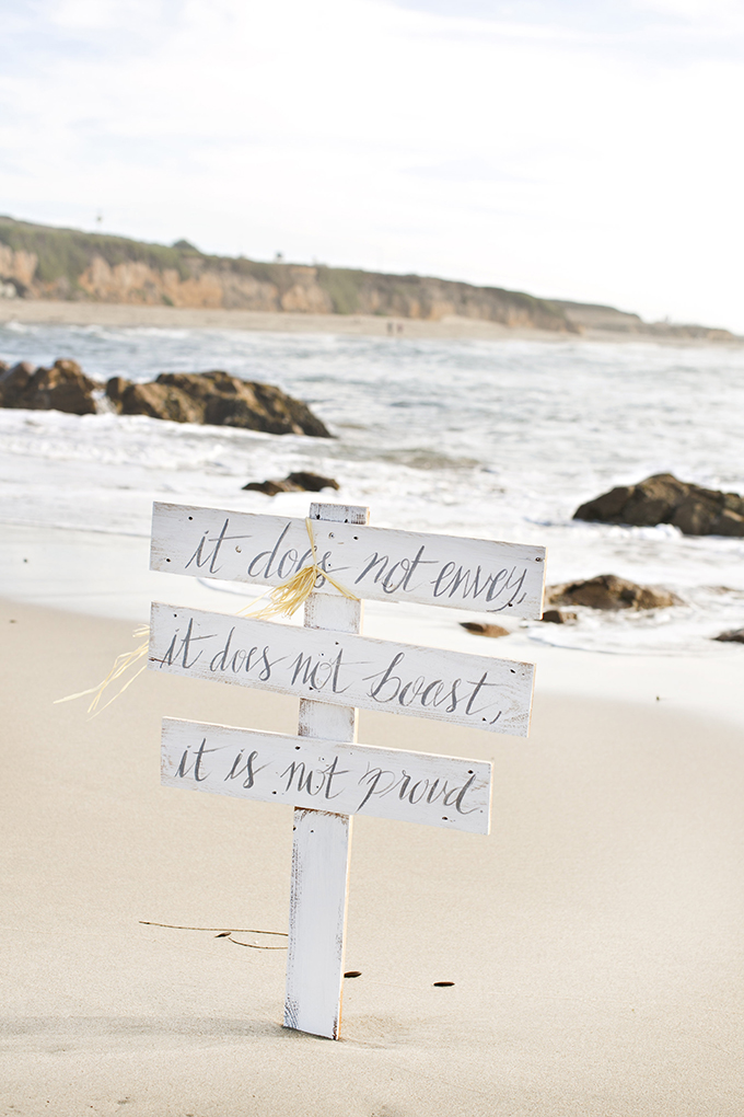 love sign | Brooke Beasley Photography | Glamour & Grace