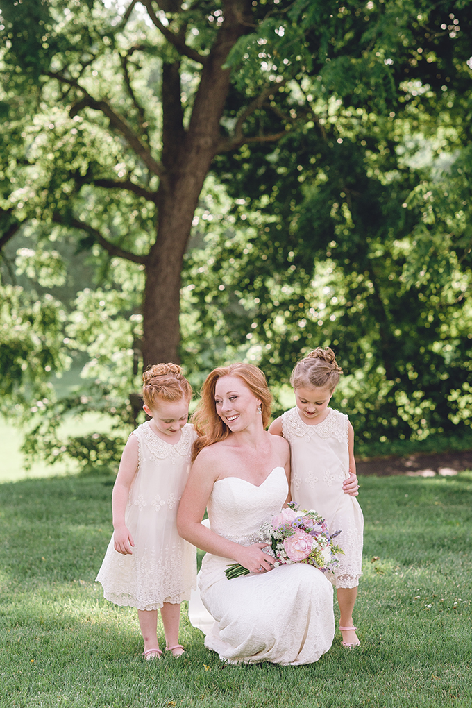 bride and flower girls | sharon elizabeth photography | Glamour & Grace