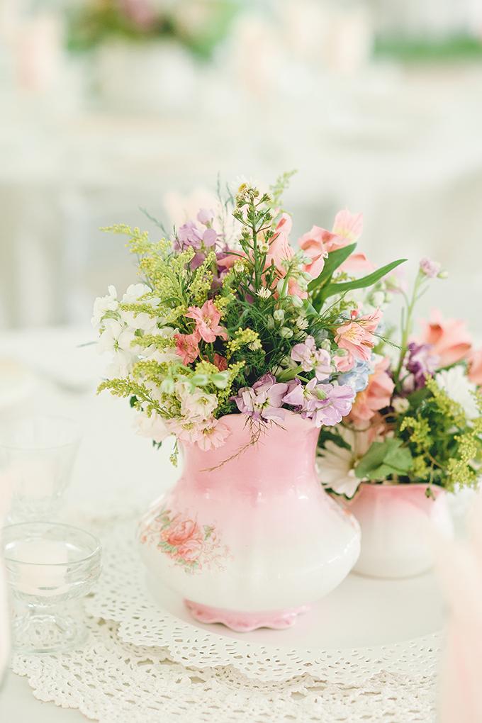 rustic pink centerpieces   sharon elizabeth photography   Glamour & Grace