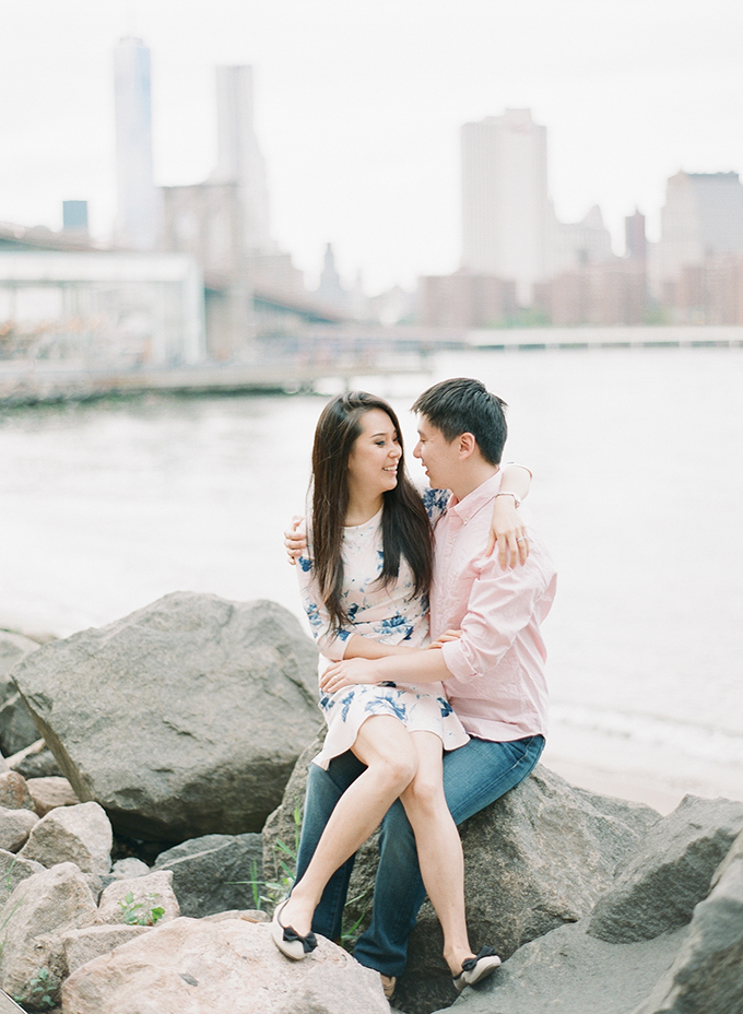 Brooklyn Bridge engagement | You Look Lovely Photography | Glamour & Grace