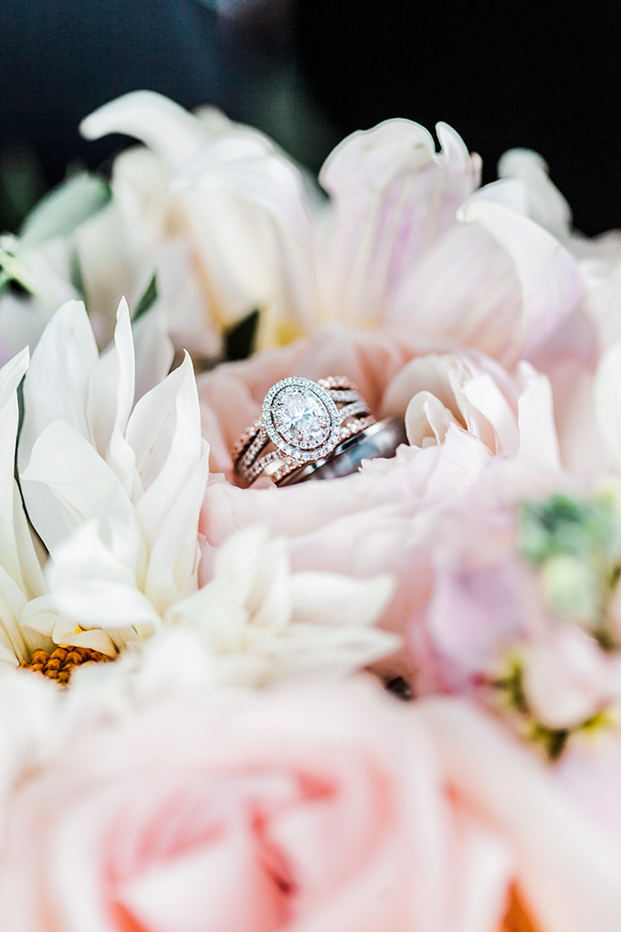 oval halo ring | Laura Ann Miller Photography | Glamour & Grace