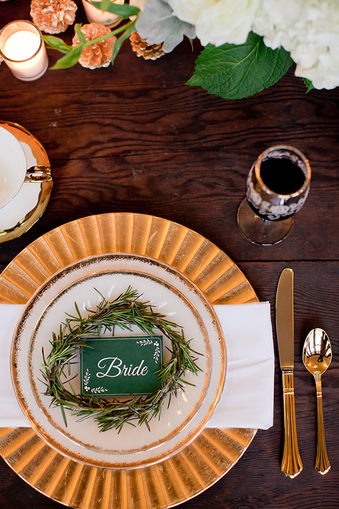 green and gold place setting | Jamie Zanotti Photography | Glamour & Grace
