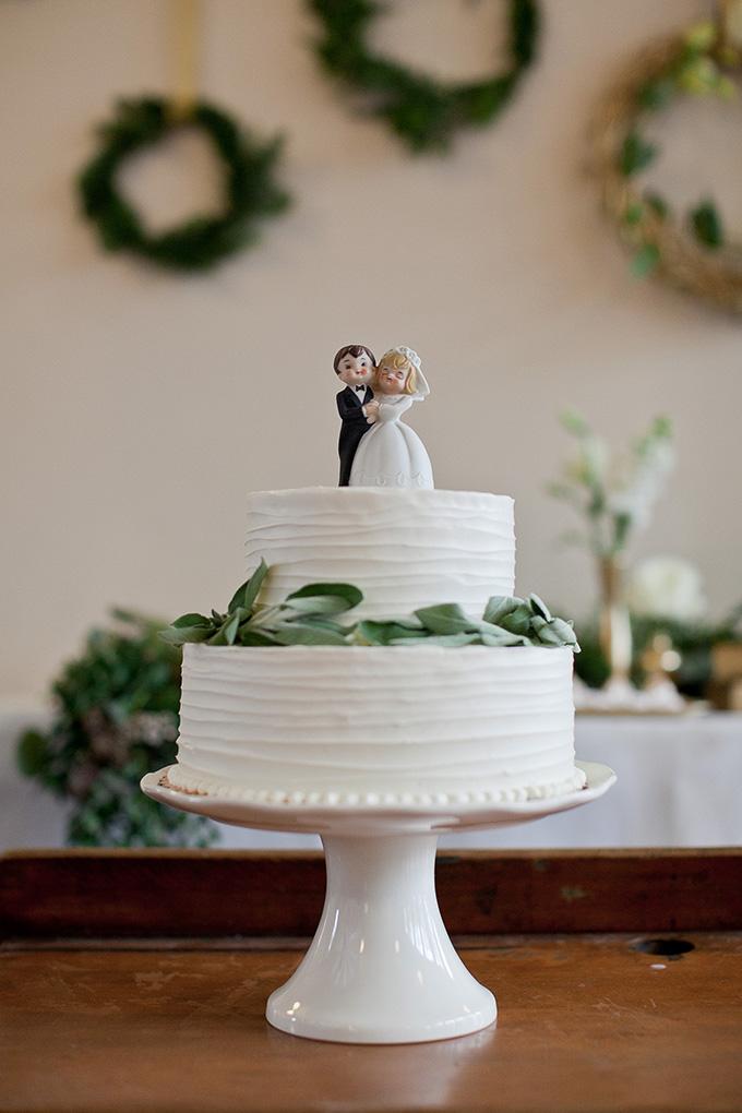 vintage white cake | Jamie Zanotti Photography | Glamour & Grace
