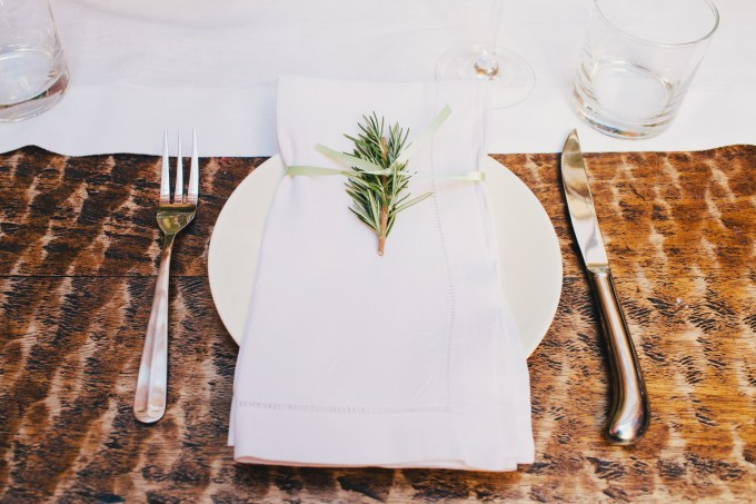 rosemary place setting | Jerry Yoon Photographers | Glamour & Grace