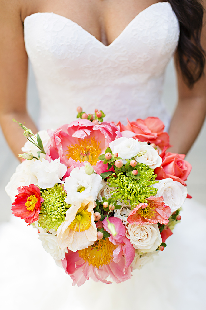 bright green and coral bouquet | Courtney Bowlden Photography | Glamour & Grace