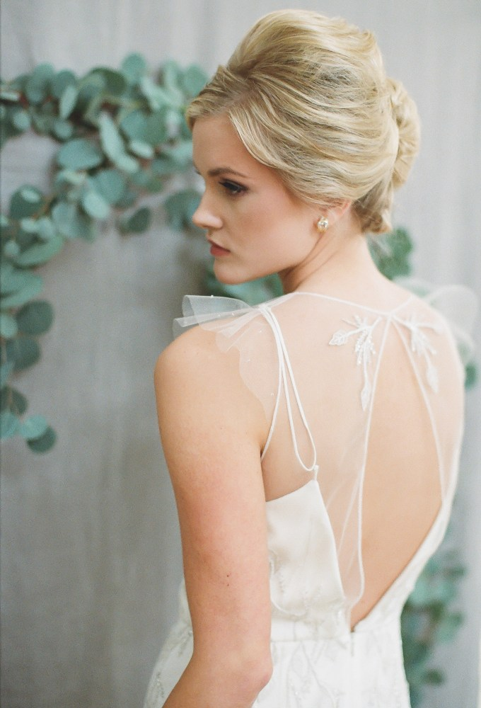 gorgeous back of gown | hay alexandra photography | Glamour & Grace