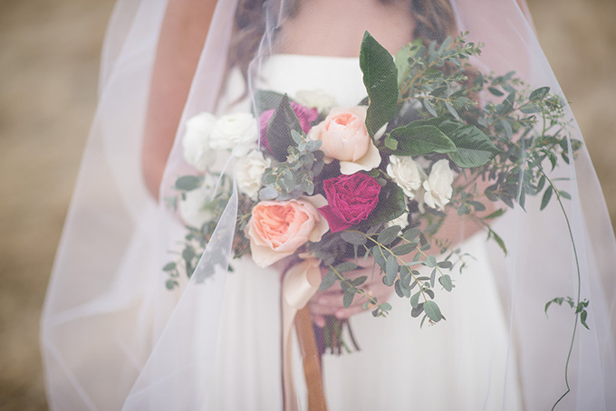 romantic Red Rocks bridal session | Emily Millay Photography | Glamour & Grace