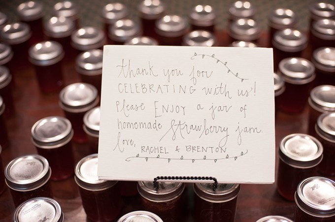 homemade jam favors | Stacy Richardson Photography | Glamour & Grace