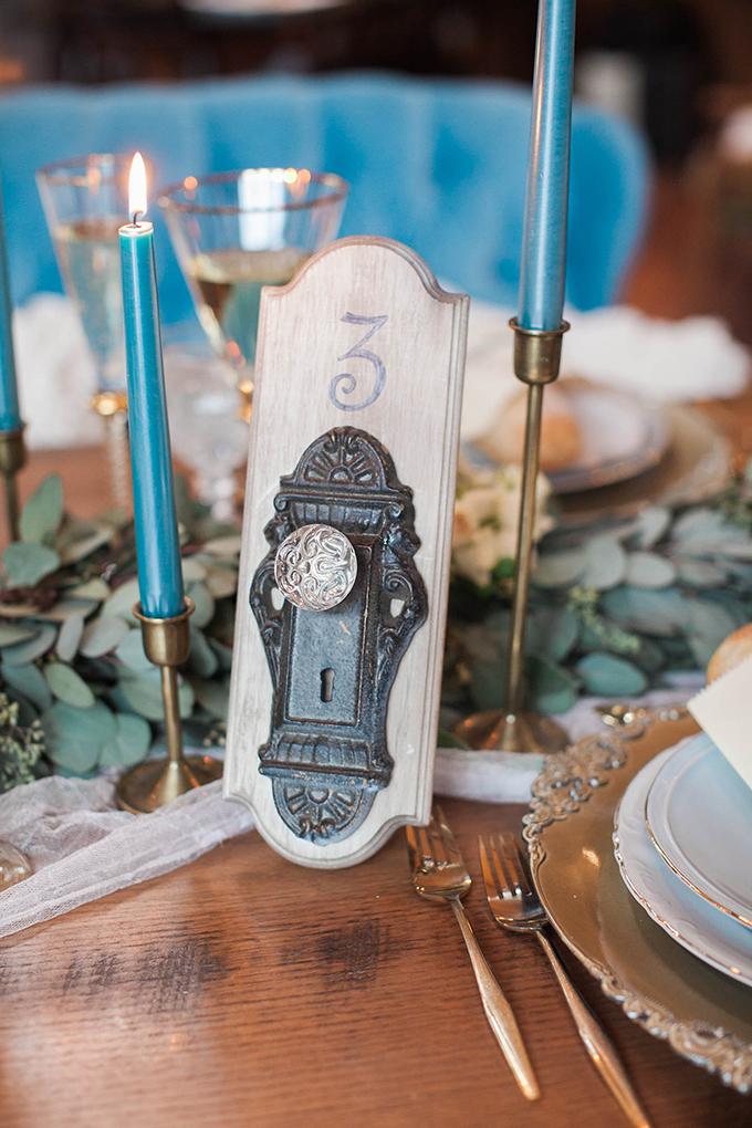 door knob table number | Bridget Rochelle Photography | Glamour & Grace