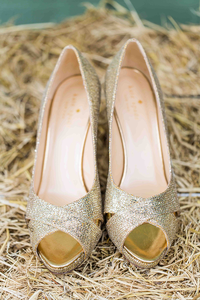 gold Kate Spade heels | Blueberry Photography | Glamour & Grace