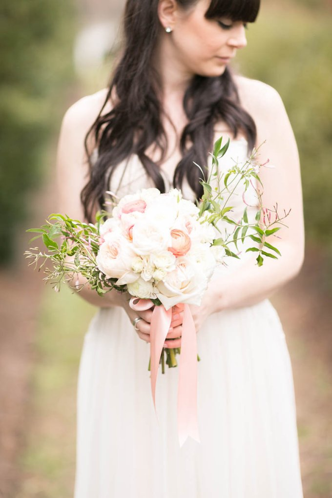 soft peach bouquet | V.A. Photography | Glamour & Grace