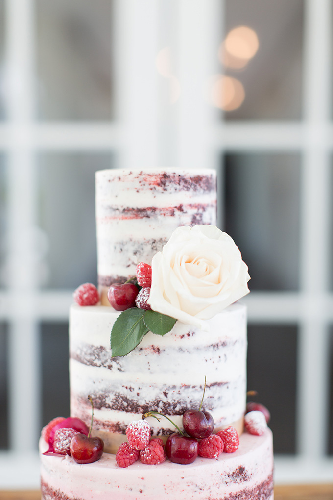 berry cake | Lindsay Fauver Photography | Glamour & Grace