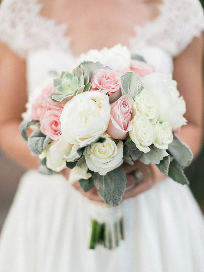 blush and white bouquet | Rachel Solomon Photography | Glamour & Grace