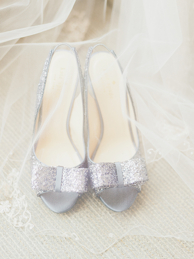 silver bow heels | Merari Photography | Glamour & Grace