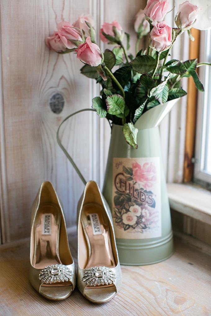 handmade lakeside wedding | Anna Marks Photography | Glamour & Grace