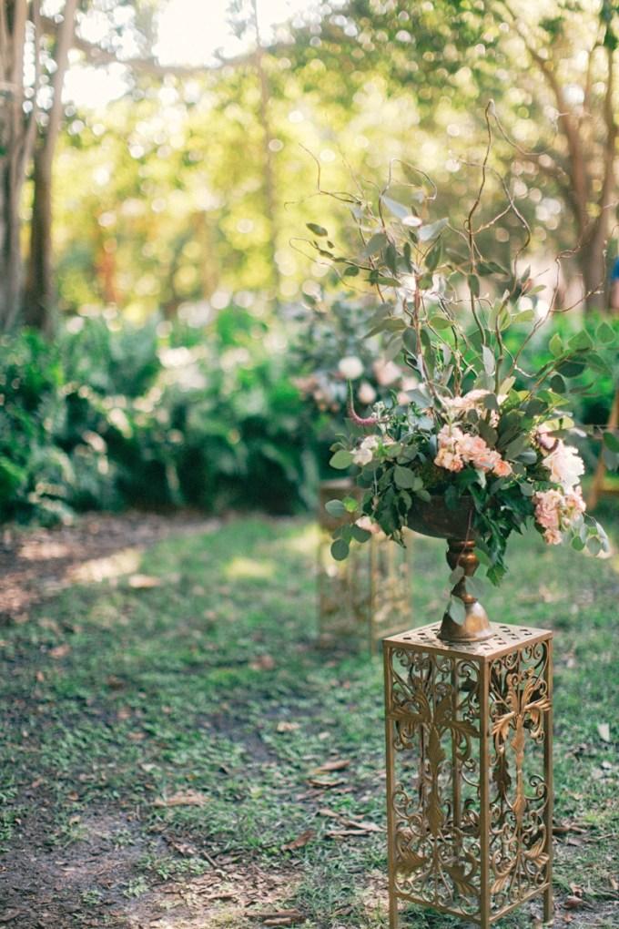 ceremony decor | Binaryflips Photography | Glamour & Grace