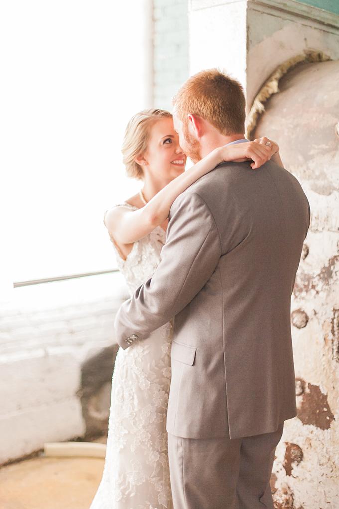 romantic modern wedding | Sara Lynn Photographic | Glamour & Grace