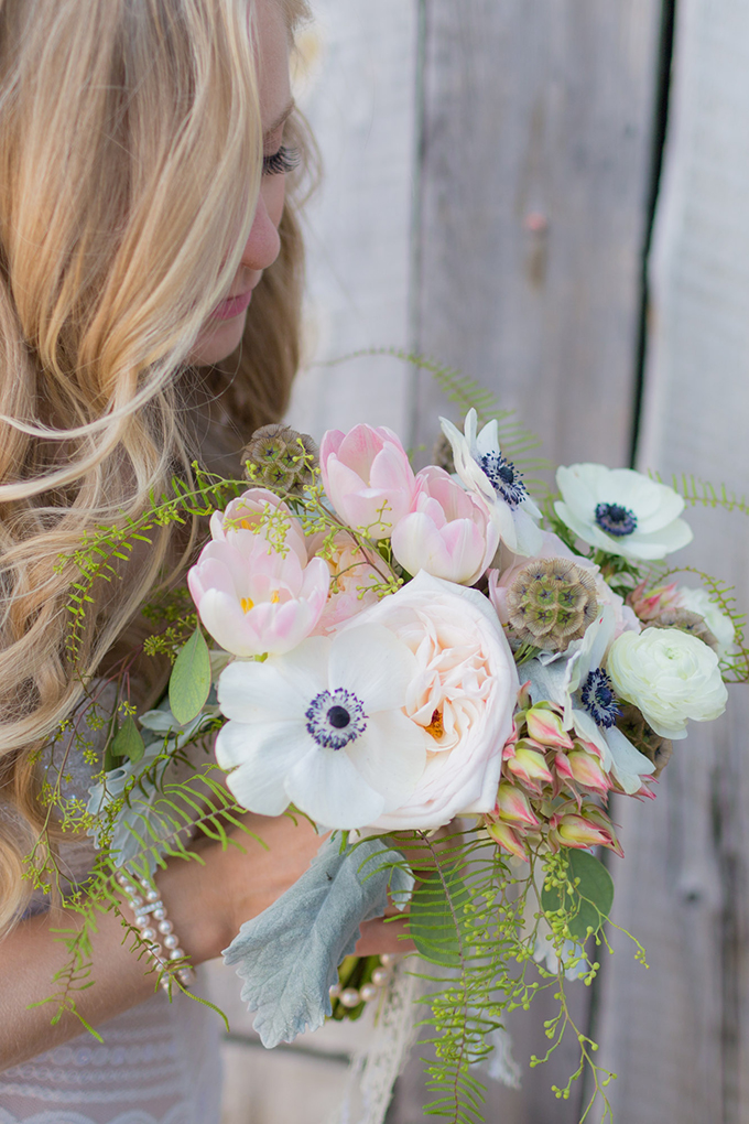 white and blush bouquet | Mathew Irving Photography | Glamour & Grace