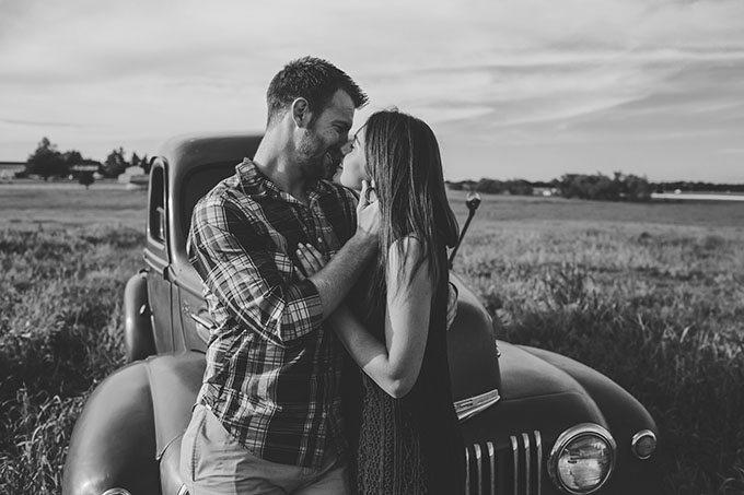 rustic farm engagement | Sarah Libby Photography | Glamour & Grace