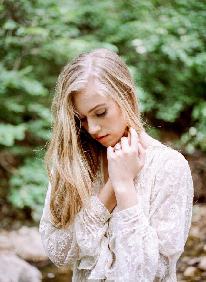 romantic riverside boudoir | Lissa Ryan Photography | Glamour & Grace