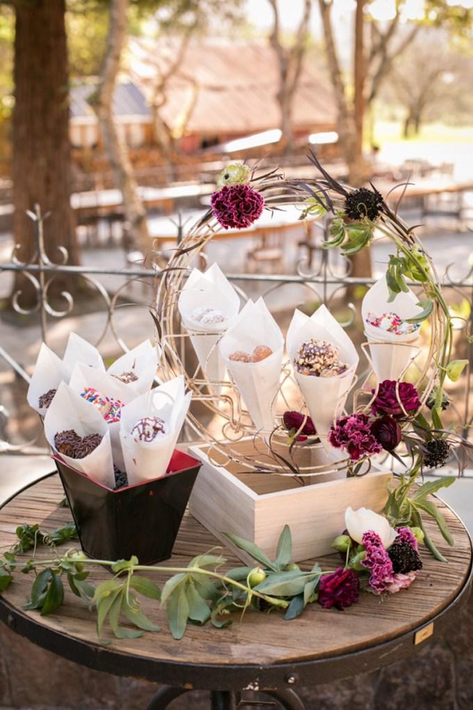 wedding donuts   Jessamyn Harris   Glamour & Grace