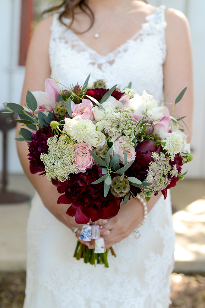 red bouquet | Eureka Photography | Glamour & Grace