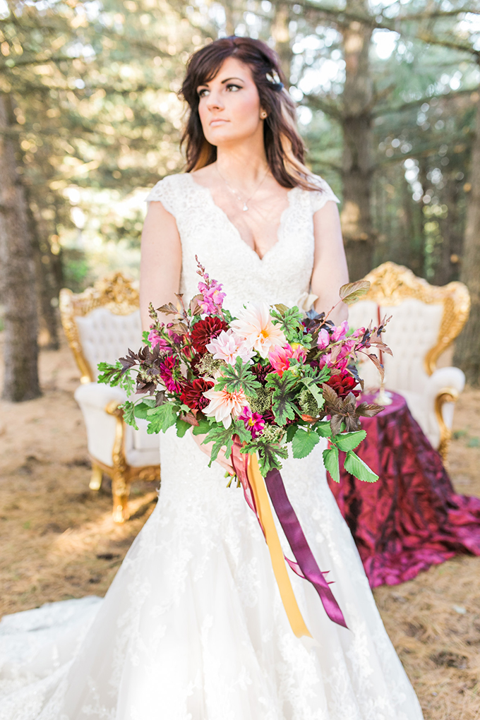 glam cranberry and gold wedding | Mandy Ford Photography | Glamour & Grace