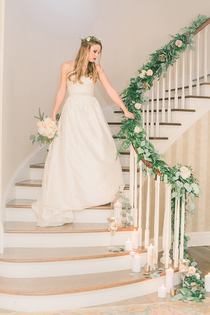 emerald and gold winter wedding inspiration | Manda Weaver Photography | Glamour & Grace
