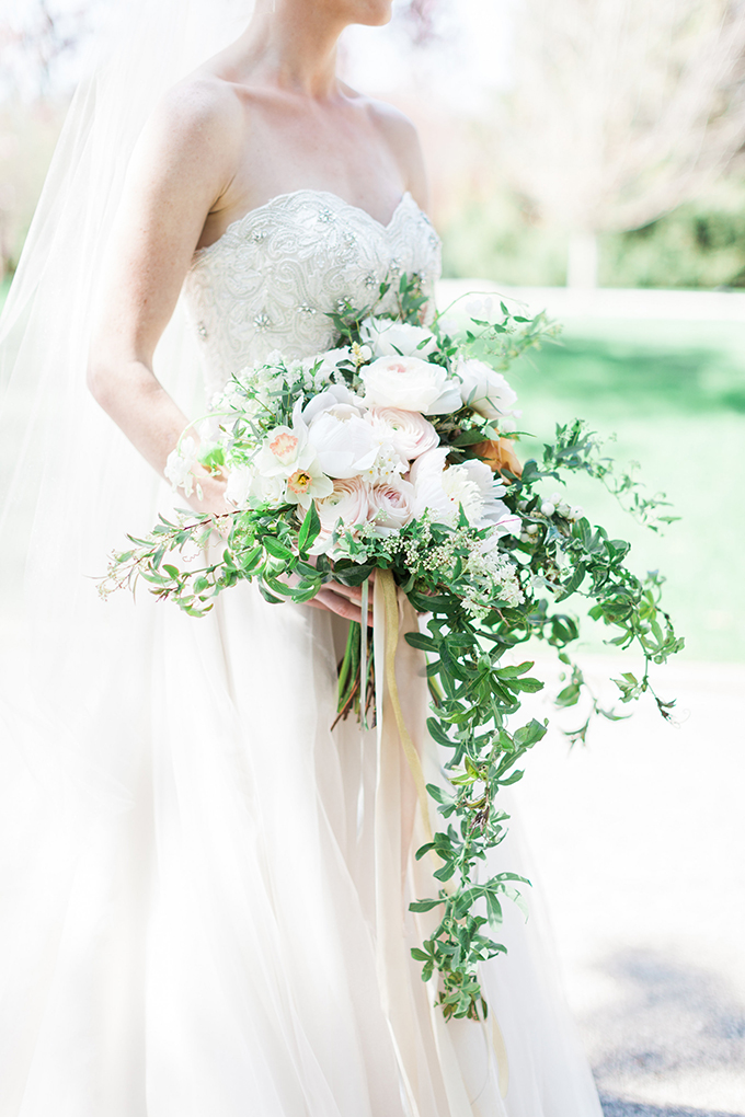 romantic white bouquet | Cory & Jackie Wedding Photographers | Glamour & Grace