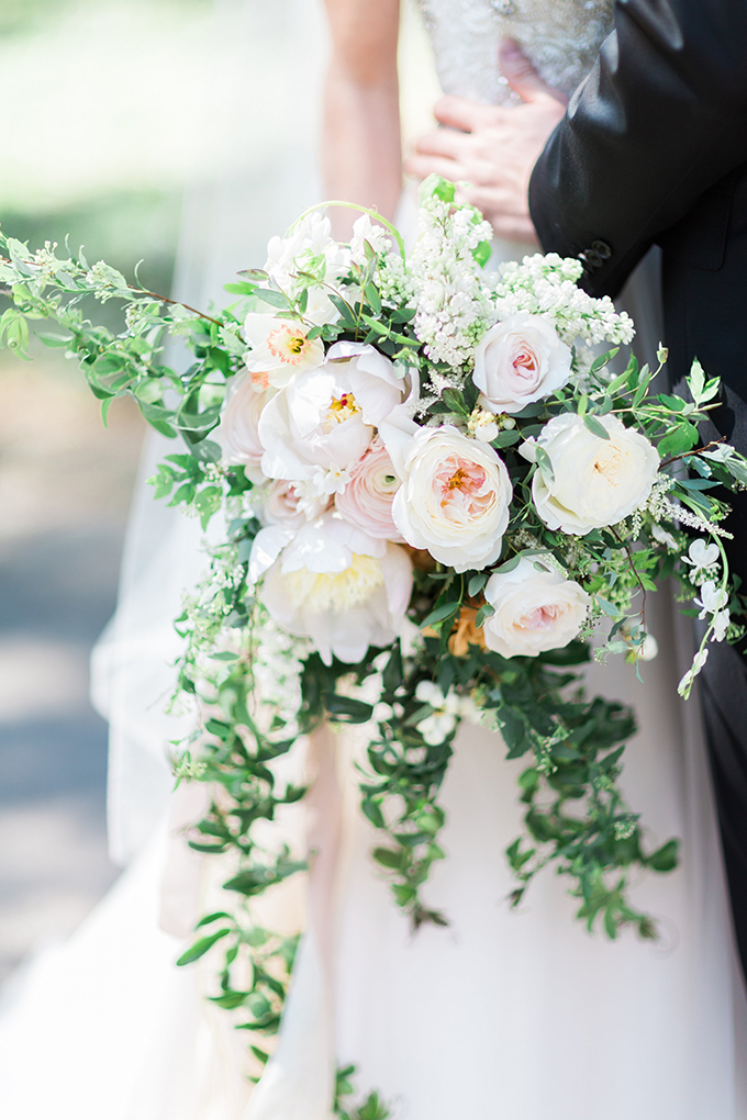 white bouquet | Cory & Jackie Wedding Photographers | Glamour & Grace