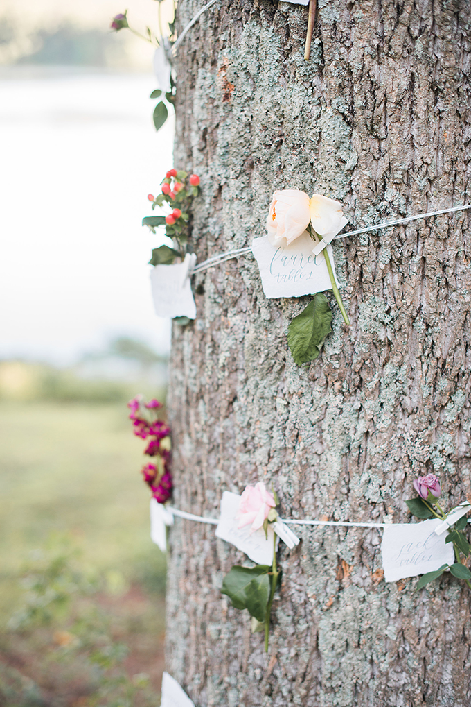 flower escort cards | Kimberly Florence Photography | Glamour & Grace